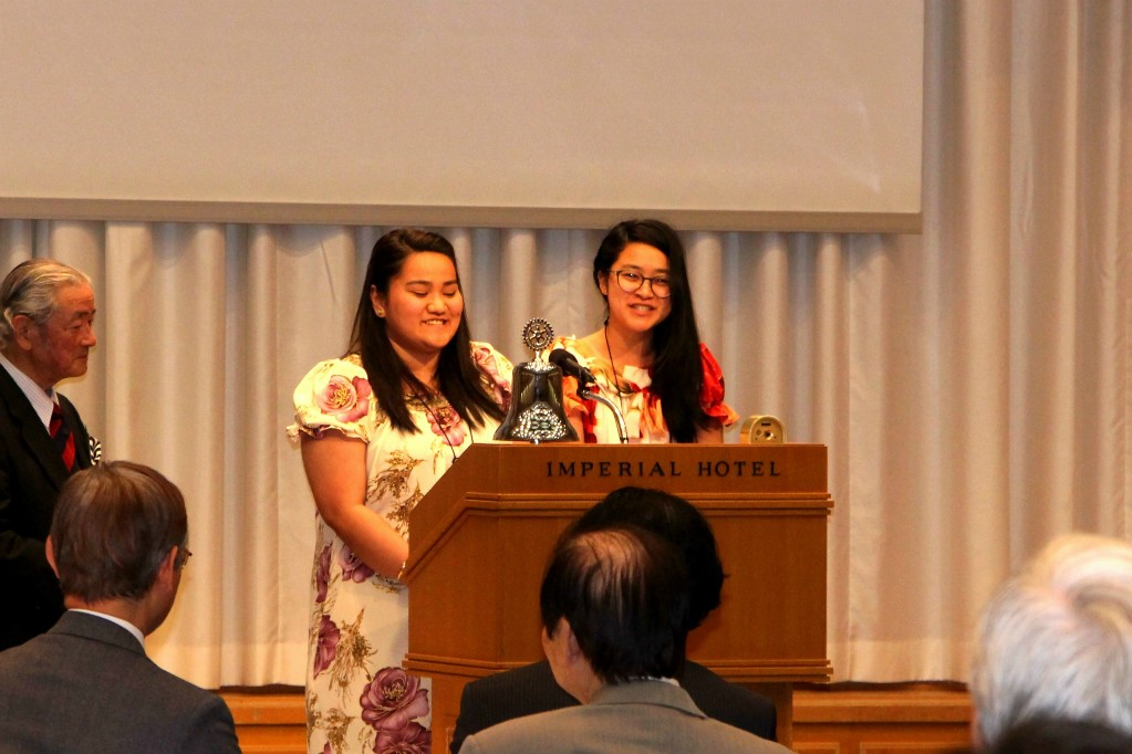 Xavier High School Scholarship Students Deliver Appreciation Speech at the Regular Meeting of the Rotary Club of Tokyo South