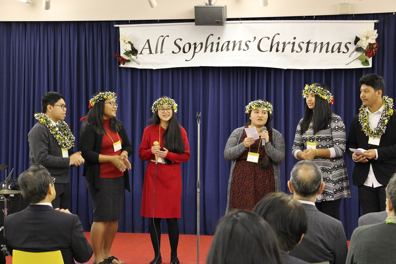 Xavier Exchange Students Participate in 'All Sophian Christmas 2017'